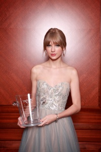 Taylor Swift, looking very vogue (Getty Images)