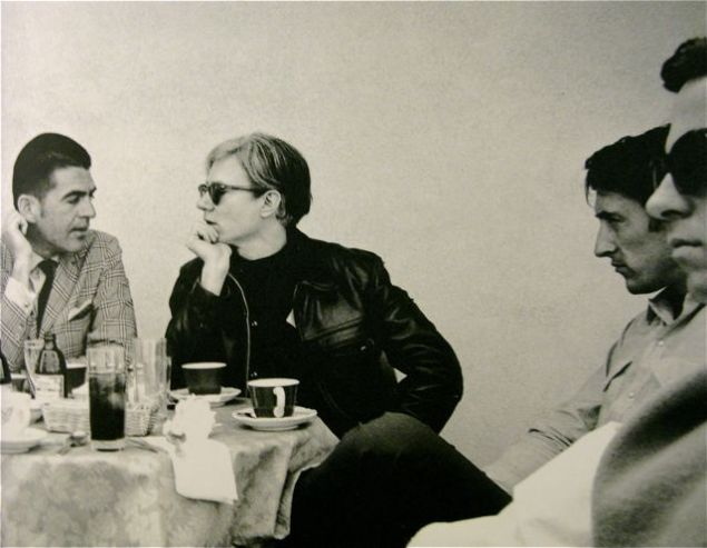 Irving Blum, Andy Warhol, Ed Ruscha, Ken Price in 1966. (Photo courtesy of mondo-blogo.blogspot.com)