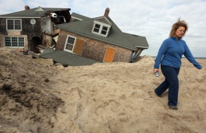 Super Storm Sandy insurance claims to be re-evaluated by FEMA (Getty)