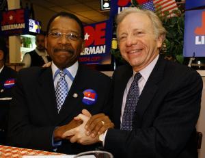 A photo of State Senator Diaz and U.S. Senator Lieberman in 2005. (Getty)