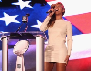 Beyonce belts it at press conference  (Getty Images)