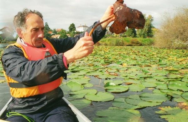 Fend harvesting algae for biofuel in New Zealand. (Courtesy the artist)