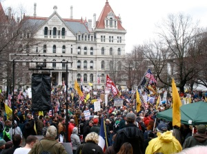 A scene from yesterday's pro-gun rally. (Photo: AllOverAlbany.com)