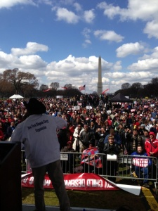 Senator Rubén Díaz addresses the anti-gay marriage crowd in D.C. (Photo: Díaz's office)