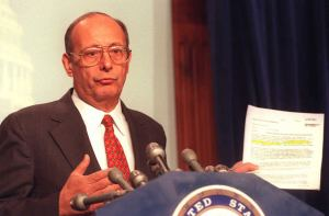 Senator D'Amato in 1996. (Photo: Getty)