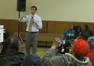 Anthony Weiner at a mayoral forum in Harlem.