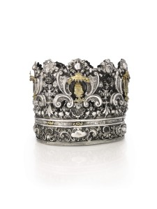 This Italian Torah crown sold for $857,000.