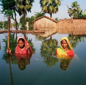 Gideon Mendel, 'Chinta and Samundri Davi, Salempur village near Muzaffarpur, Bihar, India, August 2007,' 2007. (Courtesy the artist)