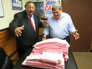 Republican John Catsimatidis and his petitions. (Photo: twitter.com/JCats2013)