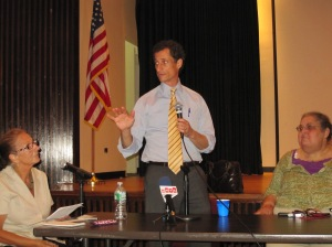 Anthony Weiner speaking at this evening's forum on disability issues.