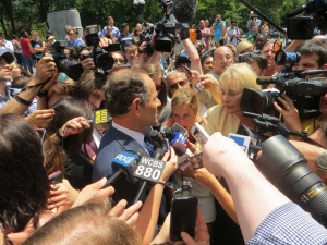 Anthony Weiner was mobbed  by reporters in Union Square.