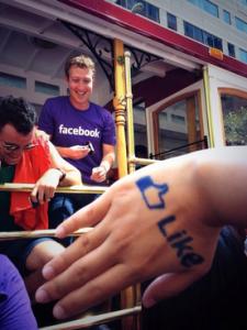 Mark Zuckerberg at SF Pride. (Photo: Twitter/@m7z)