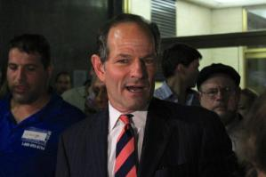 George Smith standing behind Eliot Spitzer at the Board of Elections Thursday. (Photo: Colby Hamilton/DNAinfo New York)