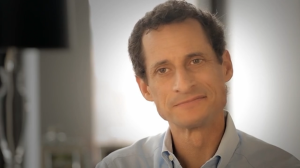 Anthony Weiner in the ad.