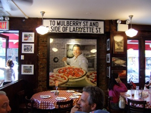 Lombardi's Pizzeria (via Flickr)