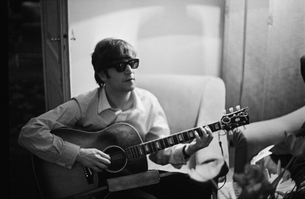 """OMG can't wait 2 b cloned one day #tooth"" - John Lennon, 1964 (Photo: Getty)"