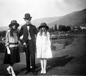 On a summer visit to Butte in about 1917, W. A. Clark posed with daughters Andrée, left, and Huguette.   Montana Historical Society, from the book Empty Mansions.