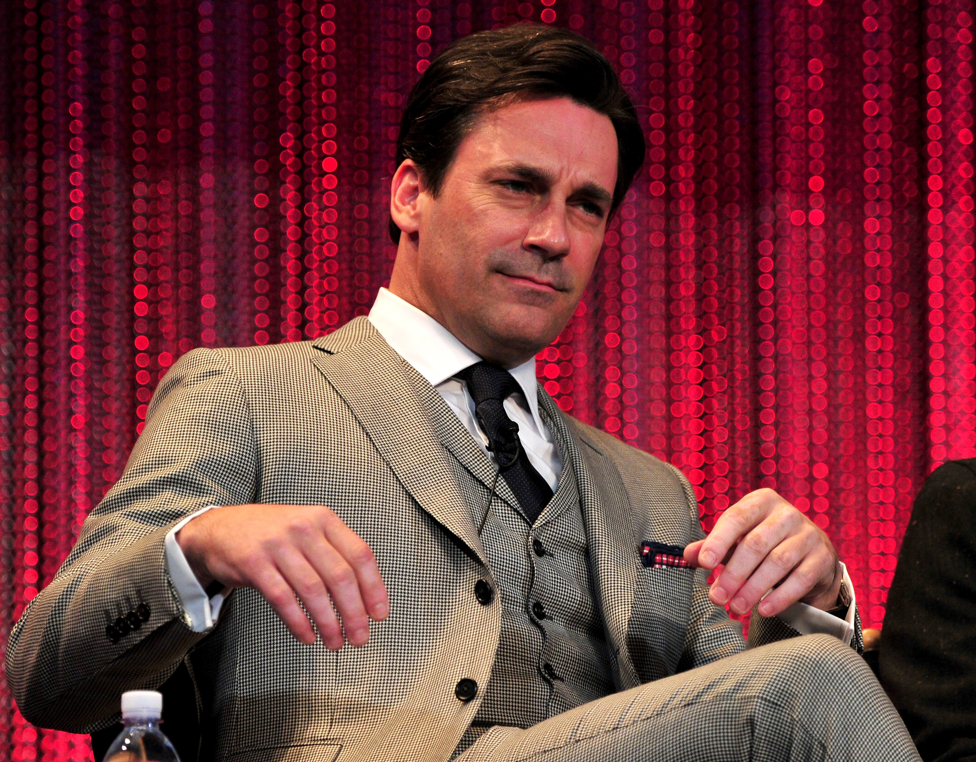"""HOLLYWOOD, CA - MARCH 21:  Actor Jon Hamm on stage at The Paley Center For Media's PaleyFest 2014 Honoring """"Mad Men"""" at Dolby Theatre on March 21, 2014 in Hollywood, California.  (Photo by Frazer Harrison/Getty Images)"""