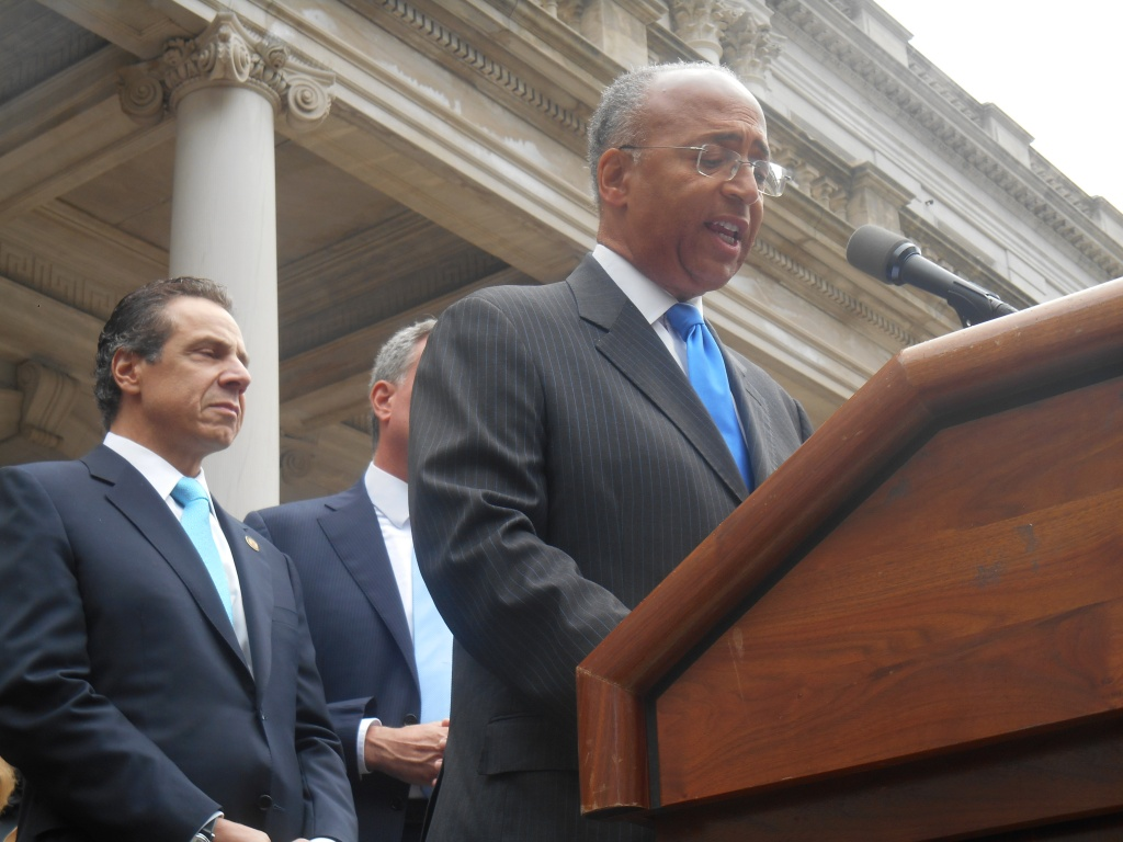 Bill Thompson concedes the mayoral primary to Bill de Blasio today.