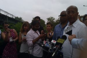 Mayoral candidate Bill Thompson speaks in Brownsville on the tragic shooting of a baby.