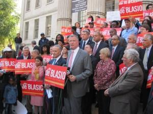 Chuck Schumer endorses Bill de Blasio.