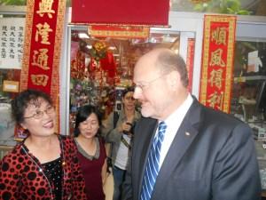 Joe Lhota visiting a Chinatown small business.