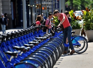 Citi Bikes get complaints from lovers and haters alike. (Photo by: Stan Honda/AFP/Getty Images)