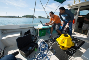 Internetting in the high seas. (Photo: Univ. of Buffalo)