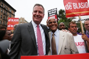 Bill de Blasio and Harry Belafonte. (Photo: Getty)