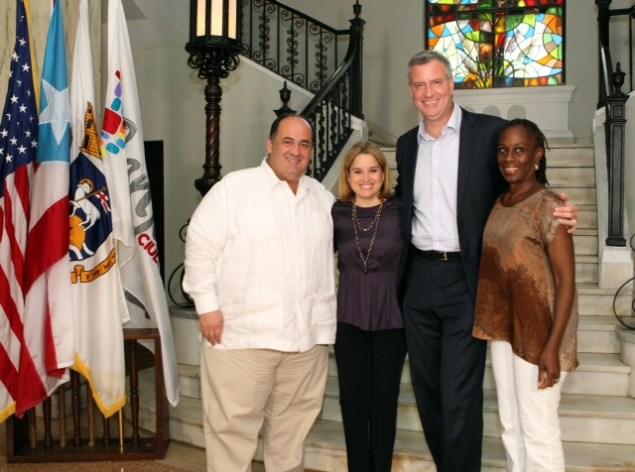 Mayor-elect Bill de Blasio poses with San Juan Mayor Carmen Yulín Cruz. (Photo:NYC Mayor's Office)