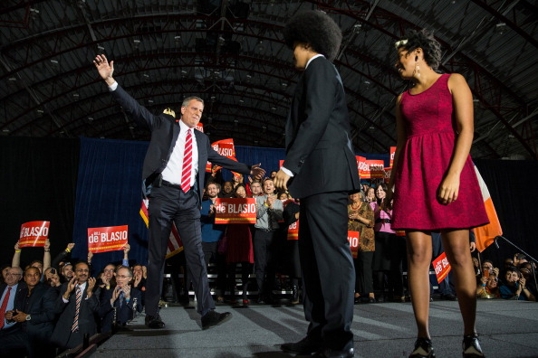 Bill de Blasio celebrates his victory with his children Dante and Chiara. (Photo: Andrew Burton/Getty Images)