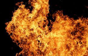 800px-Fire02