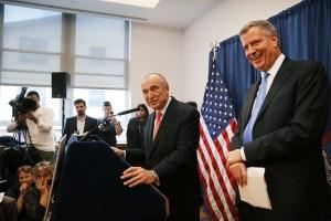 Bill de Blasio announcing the appointment of Bill Bratton. (Photo: Spencer Platt/Getty)