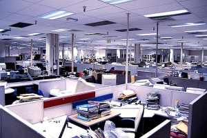 """What comes up when you Google """"empty newsroom."""" (Courtesy cynicaltimes.org)"""