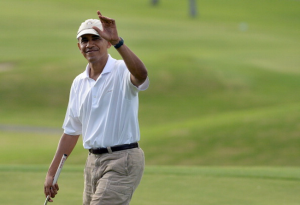 Barack Obama loves engaging with the people, clearly. (Getty)