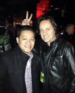 Mr. Legere, being wacky on right. (Photo: Twitter)