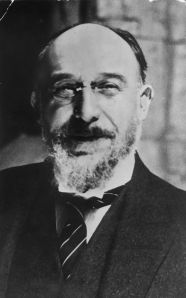 Satie. (Courtesy Hulton Archive/Getty Image)