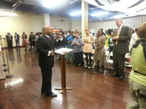 Bill de Blasio attending Orlando Findlayter's church last year. (Photo: Facebook)