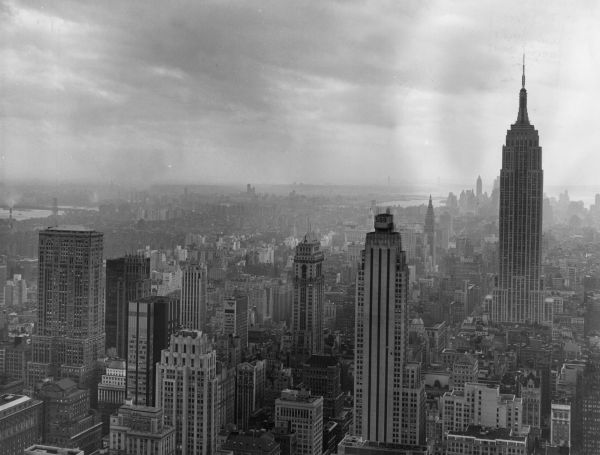 A view of Manhattan, in October 1966, from the Rockefeller Centre looking towards East River. (Photo by Terry Chambers/Fox Photos/Getty Images)