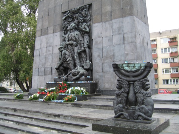 Warsaw Ghetto Heroes' Monument in Warsaw; Mordechai Anielewicz is in the center, holding a hand grenade. (Photo by Ken Kurson)