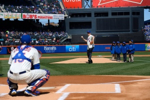 Bill de Blasio throws the opening pitch. (Photo: Rob Bennett/NYC Mayors Office)