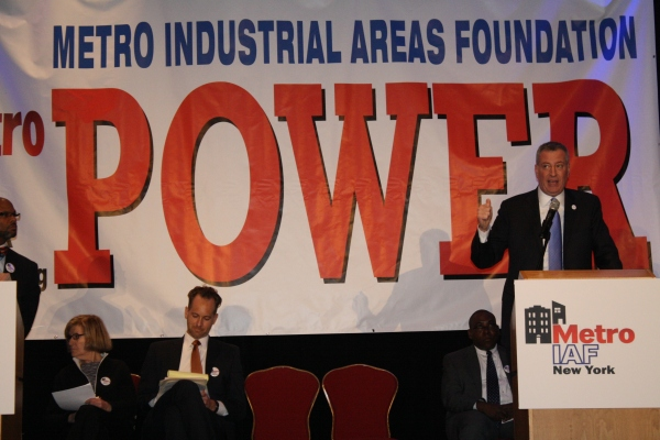 Mayor Bill de Blasio speaks at the Metro IAF Assembly yesterday. (Photo: Vanessa Ogle)