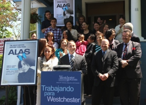 """Trabajando para Westchester."" (Working for Westchester.)"