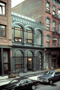 172 Duane Street: trying for another topper. (historicalarts.net)