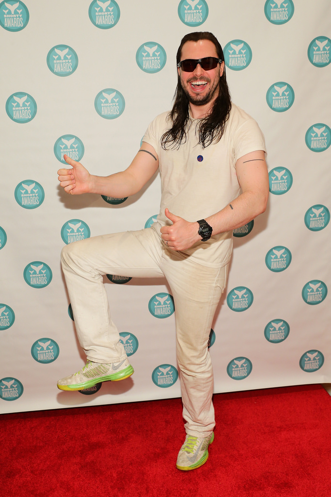 Mr. W.K. on the red carpet. (Photo via Shorty Awards)