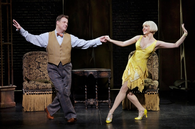 Brooks Ashmanskas and Heléne Yorke in Bullets Over Broadway.