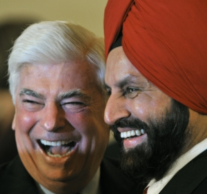 Former Senator Chris Dodd and Sant Chatwal together at an event. (Photo: Paul J. Richards/AFP/Getty Images)