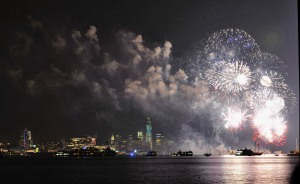 The 2013 fireworks display over the Hudson River. (Photo Michael Loccisano/Getty)