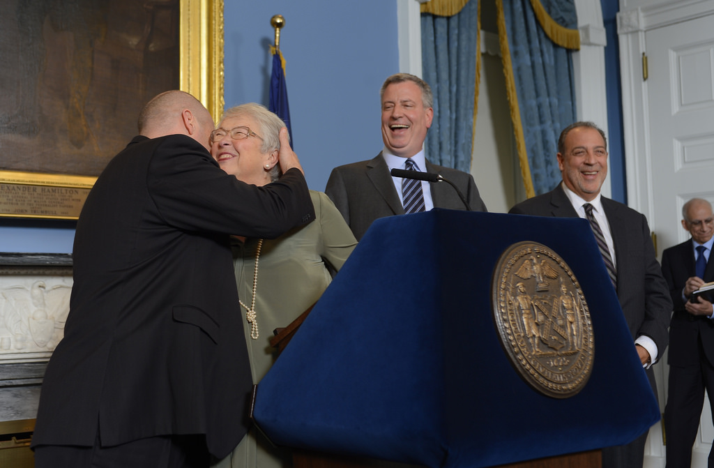 Mayor Bill de Blasio announcing a contract deal with the UFT. (Photo: Rob Bennett for the Office of Mayor Bill de Blasio)