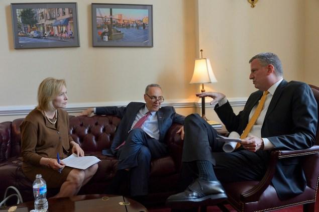 Mayor Bill de Blasio (right) with U.S. Senators Chuck Schumer and Kirsten Gillibrand.